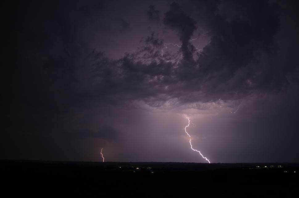 Orage dans le Poitou au cours dela nuit du 26 au 27 juillet 2013| Crédit photo : Anthony Grillon